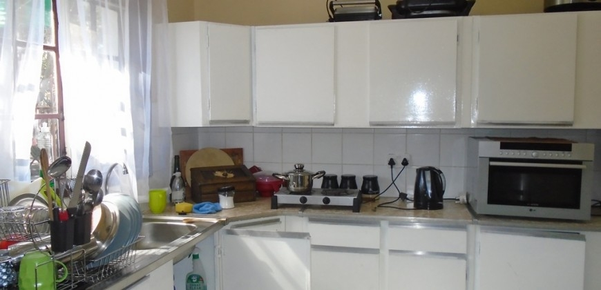 Spacoius fittted kitchen