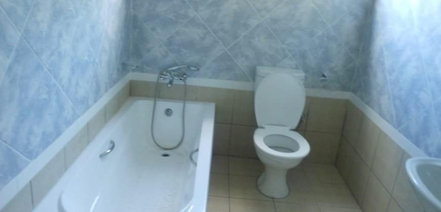 Bathroom/bathtub