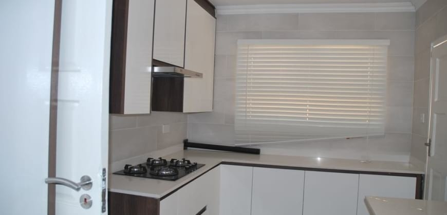 Overflow kitchen/Scullery/fitted gas stove