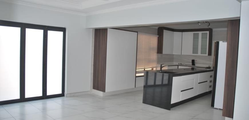 Dinning area/open plan kitchen