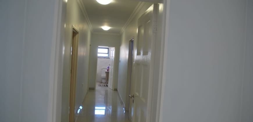 Passage to the bedrooms