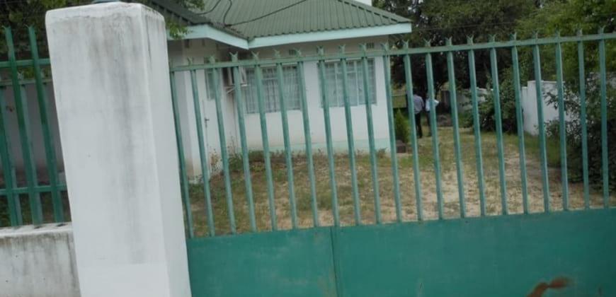 Entrance to the property/motorised gate